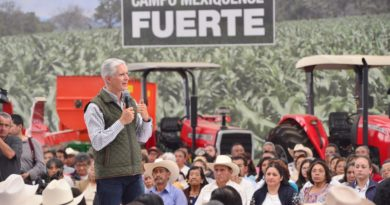 ENTREGA ALFREDO DEL MAZO APOYOS AGROPECUARIOS A PRODUCTORES DE LA ZONA DE LOS VOLCANES