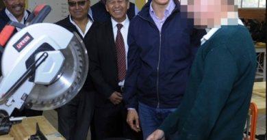 ENTREGA ALFREDO DEL MAZO A PLANTEL EDUCATIVO EN CHIAUTLA, REHABILITACIÓN Y EQUIPAMIENTO