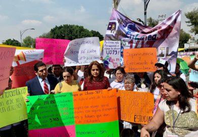 SE SOLIDARIZA LA DIPUTADA ANA LILIA HERRERA CON ESTUDIANTES QUE PIDEN NO DESAPARECER LA PREPA EN LÍNEA