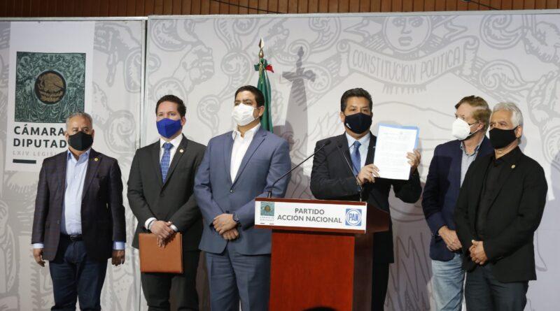 Maullidos Urbanos / ¿Juicio político? o nueva cortina de humo…